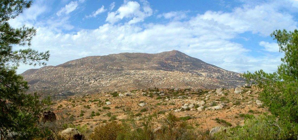 cerro de cuchuma-tecate huxley