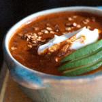Sopa de chile ancho y chicharrón