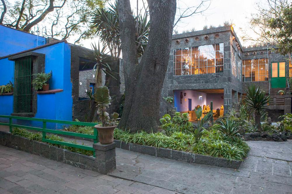Caza azul frida kahlo