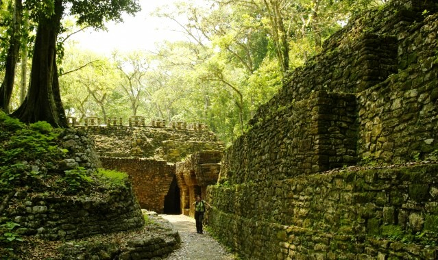 cultura-maya-Yaxchilan