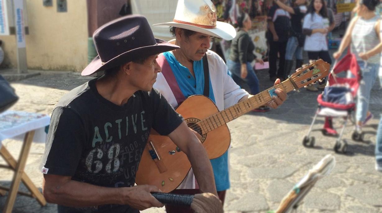 musicos mexicanos en tepoztlan mexico