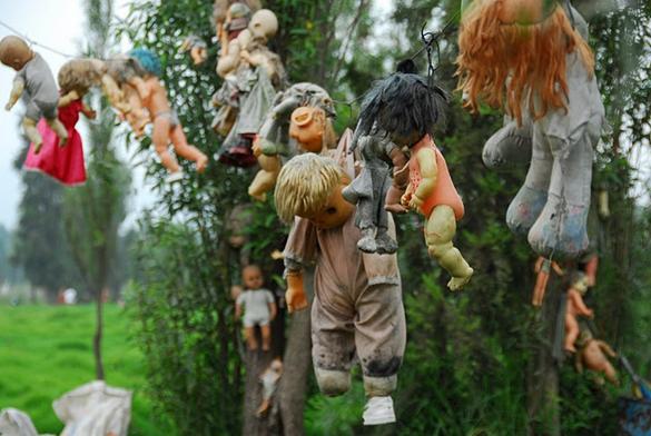 isla xochimilco muñecas embrujadas