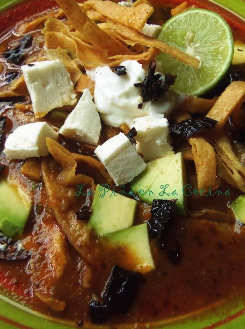 Sopa azteca de tortilla (Receta) -