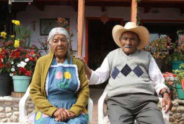 pareja mexicana con 83 años de matrimonio