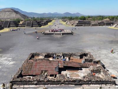 plaza de la luna teotihuacán