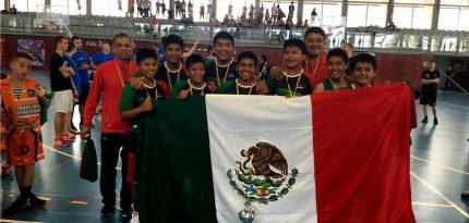 equipo de niños triquis en barcelona en la copa de basquetbol