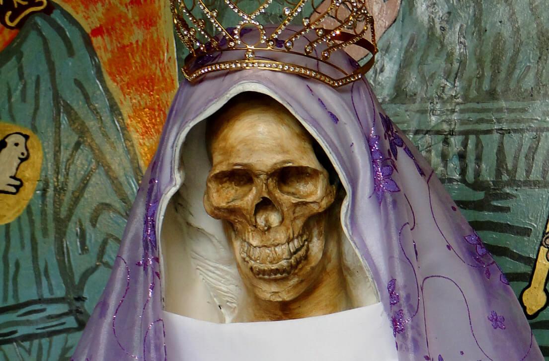 El culto a la Santa Muerte: de la cosmovisión prehispánica a