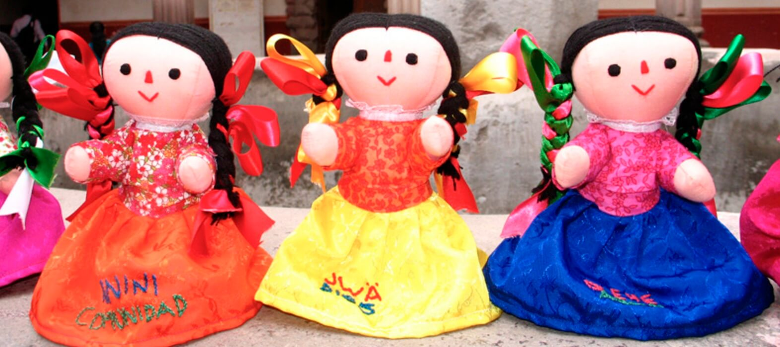 muñeca otomí traduce espanol