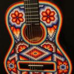 guitarra arte huichol