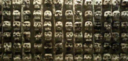 tzompantli altar de muertos prehispanico