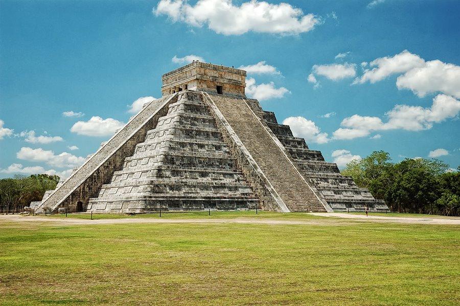 descubren otra piramide debajo kukulkan