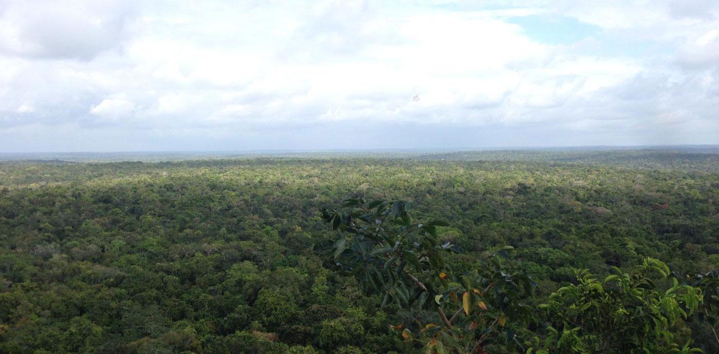 mirador-mayas-guatemala-zona-arqueologica-piramide