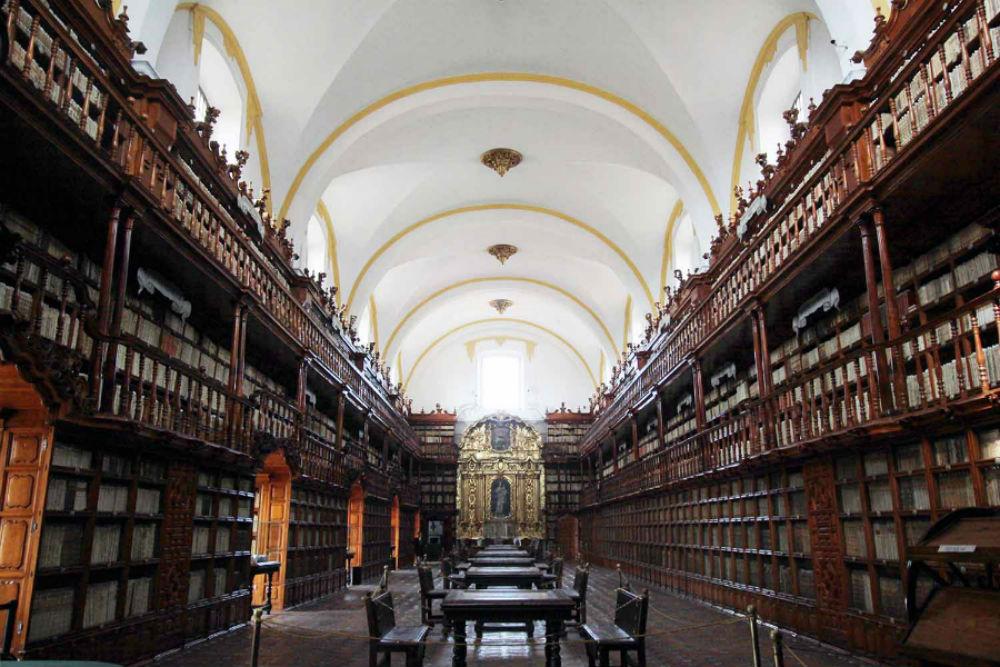 biblioteca palafoxiana puebla