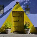 Una puerta en algún lugar de Puebla. Foto: flickr – ajuares / CC