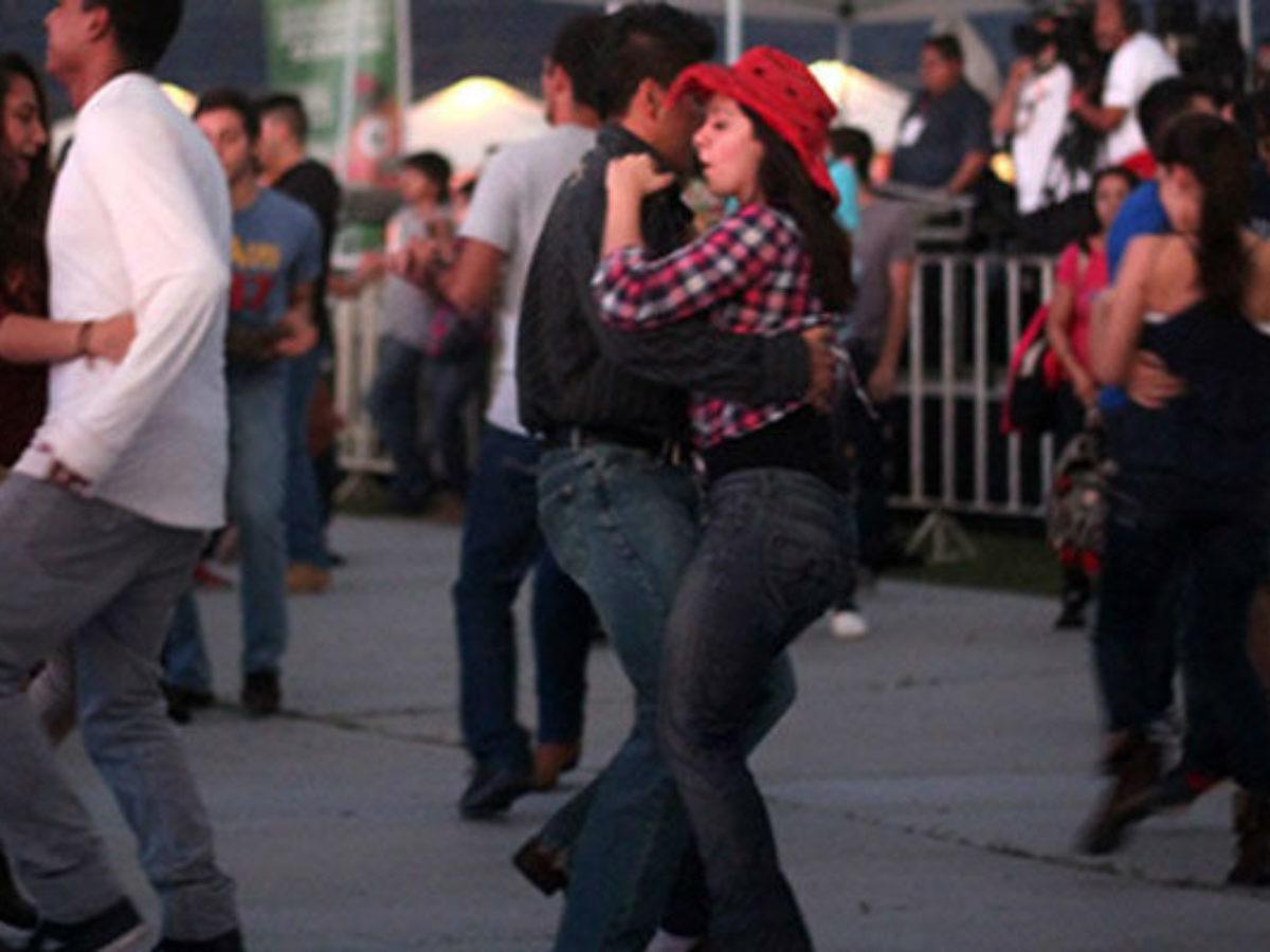 Cómo bailar música de banda? - Más de México