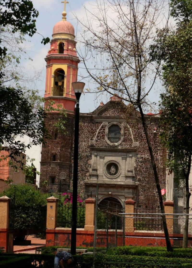 iglesias construidas templos prehispanicos