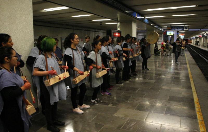 tania candiani tambores teponaztlis metro ciudad de mexico