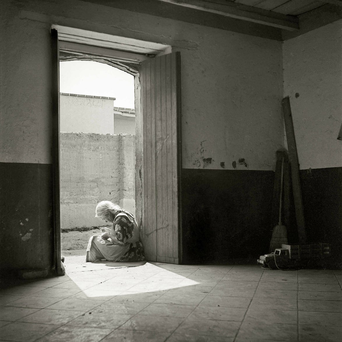 anciana sentada fotografia juan rulfo