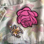 Parches de rosa y alacrán. Los encuentras en thedarks.co