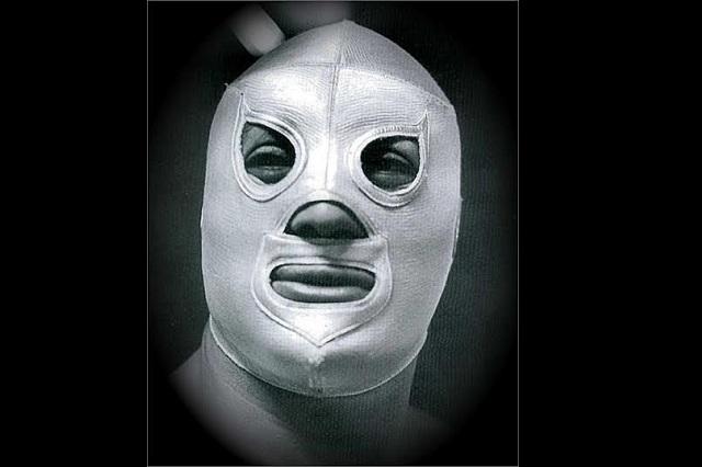 santo-enmascarado-lecciones-mascara-plata