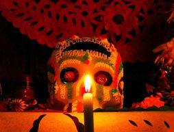 elementos-ofrenda-altar-dia-de-muertos-objetos-muerte-mexico-test-personalidad