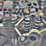 """""""Nomás un puño de tierra"""": 3 canciones populares mexicanas sobre la muerte"""