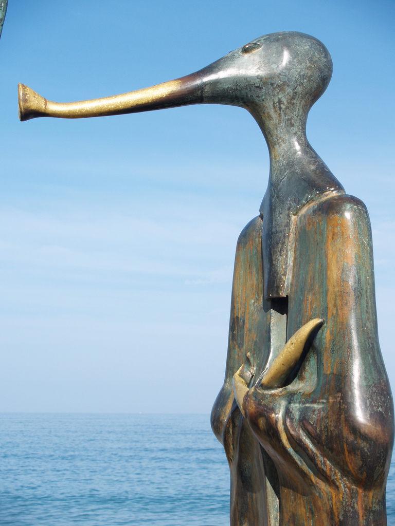 rotonda del mar puerto vallarta-