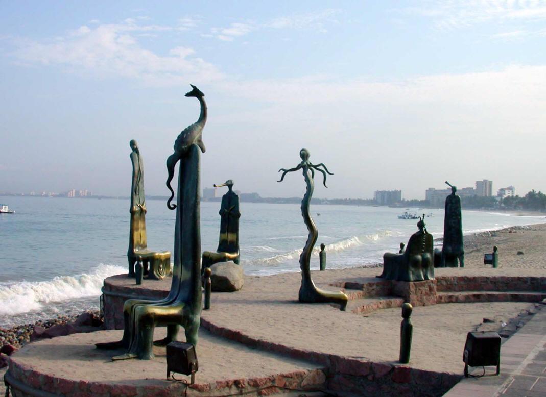 rotonda del mar puerto vallarta