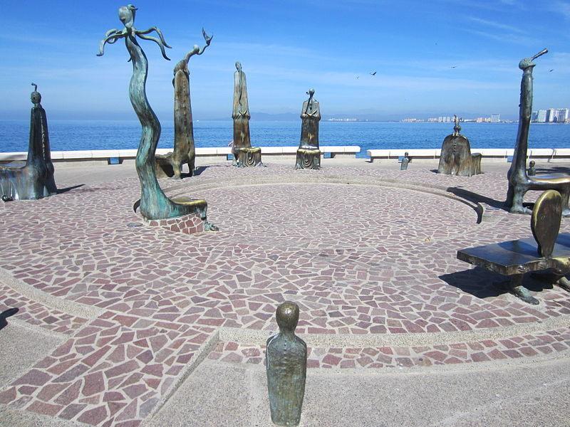 puerto-vallarta-lugares turismo que hacer rotonda del mar esculturas Alejandro Colunga