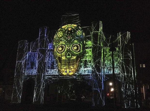 fiestas-tradicionales-mexico-video-mapping-mexicanos-ixtepec-oaxaca