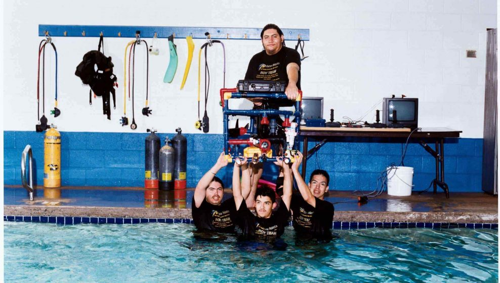 mexicanos-jovenes-migrantes-robot-nasa-concurso
