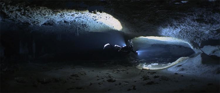 cueva-subacuatica-mas-grande-del-mundo-nohoch-nah-chich-2