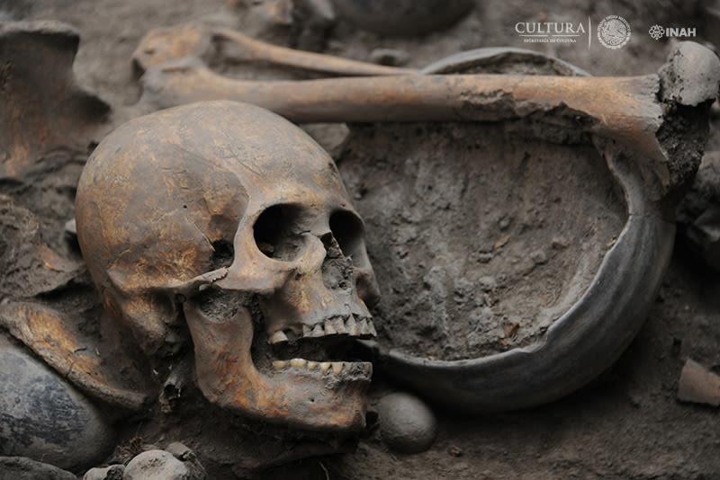 entierro-espiral-esqueletos-tlalpan-mexico-