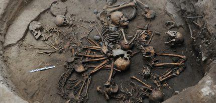 entierro-espiral-esqueletos-tlalpan-mexico