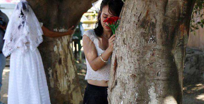 mujeres-casan-con-arboles-matrimonio-mexico