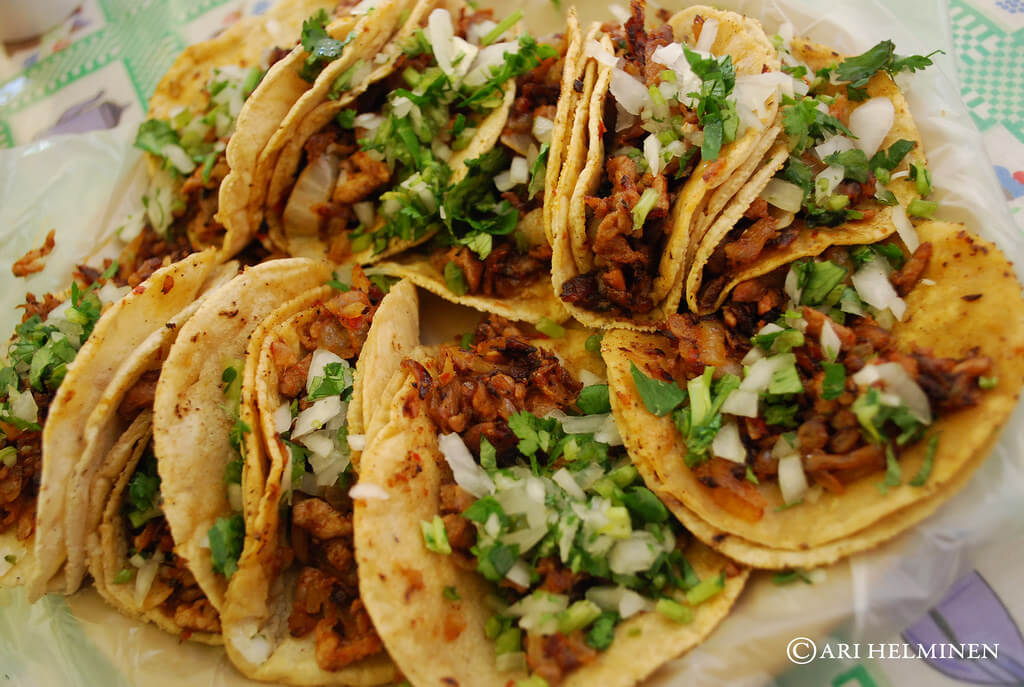 netflix-series-mexico-mexicanas-comida-cocina-tacos-olvera