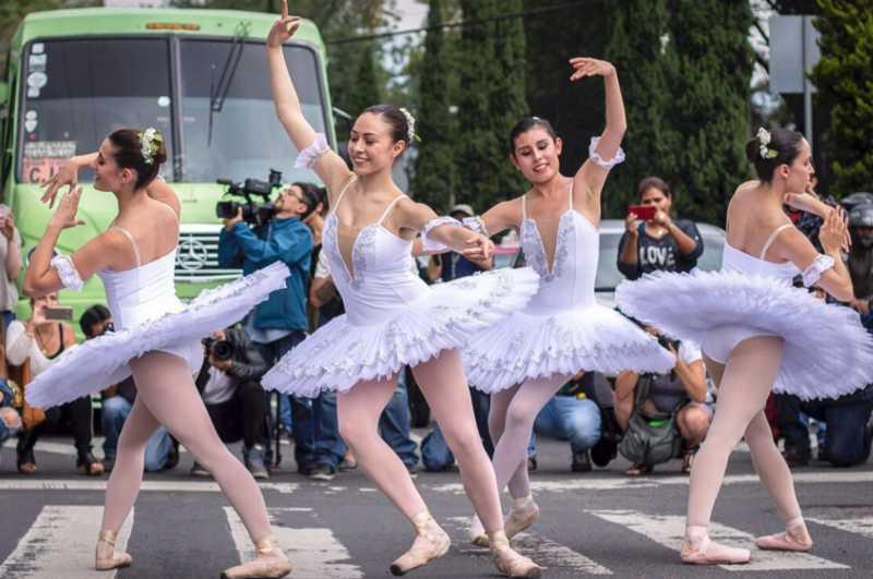 ciudad-mexico-cdmx-ballet-calles-espacio-publico-semaforos-fechas