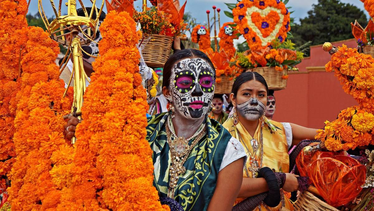 tradiciones-dia-de-muertos-mexico-oaxaca-extranas-raras-bonitas