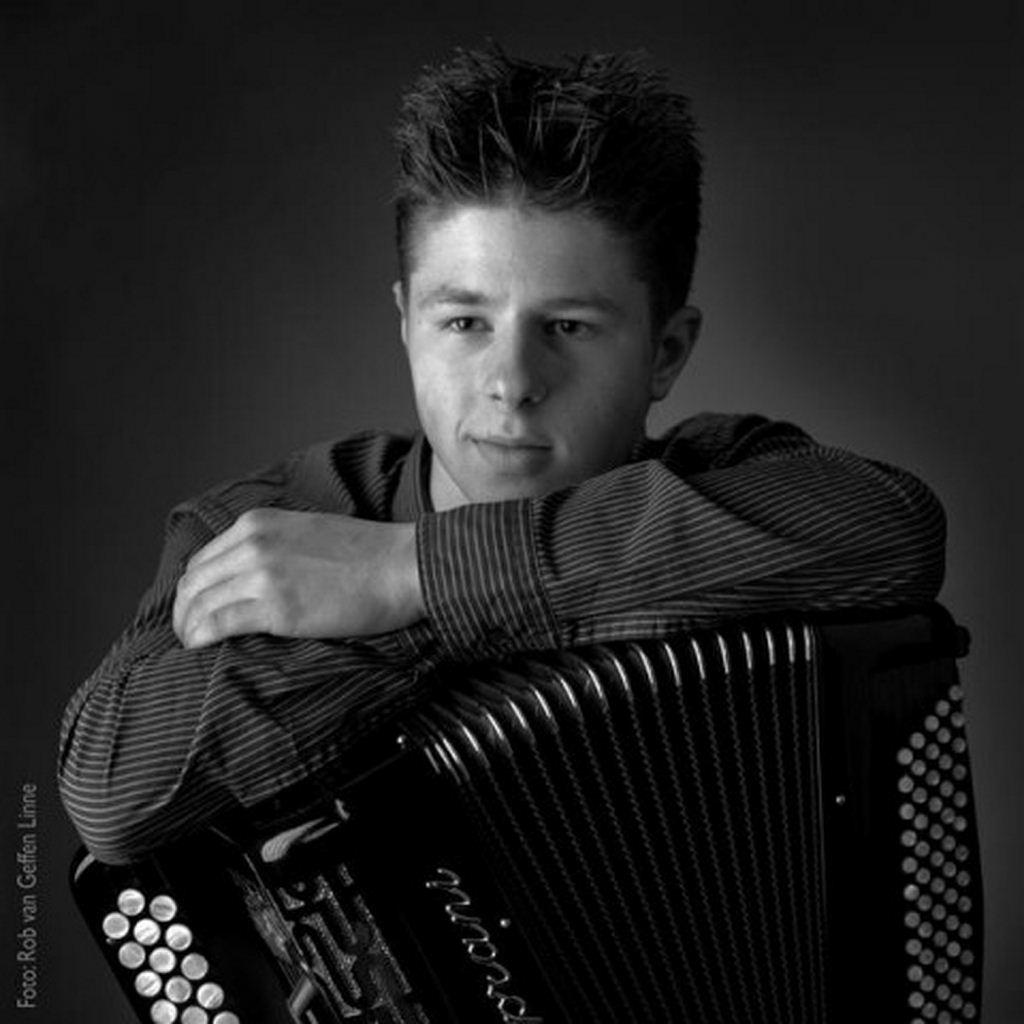 holandeses-nortenos-dwayne-verheyden-musica-nortena-acordeon-videos
