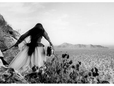 Mujer-Angel-Desierto-de-Sonora-1979-©Graciela-Iturbide