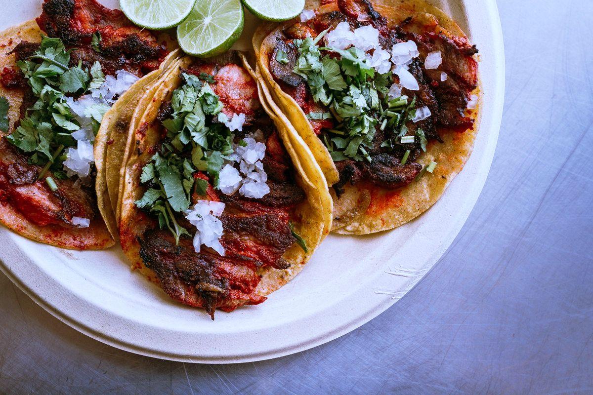 tacos-al-pastor-calorias-trompo