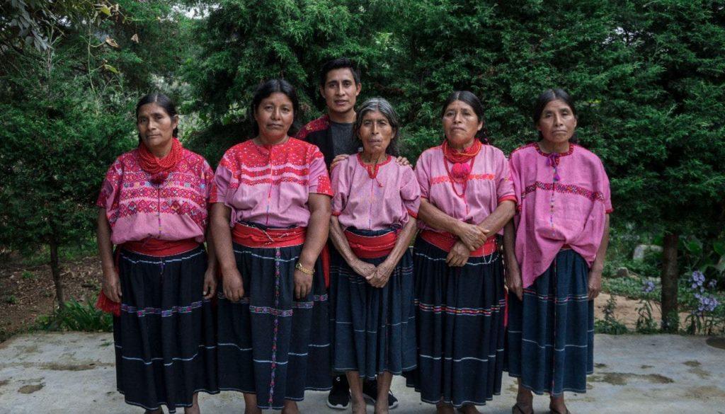 textiles-indigenas-tztotil-fashion-week-new-york