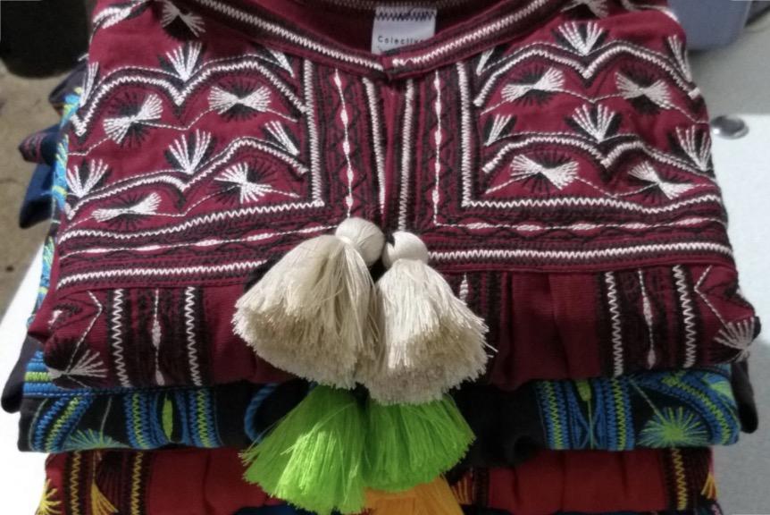 textiles-mexicanos-bordados-mixes-telares-oaxaca-colectivo-aats-blusas