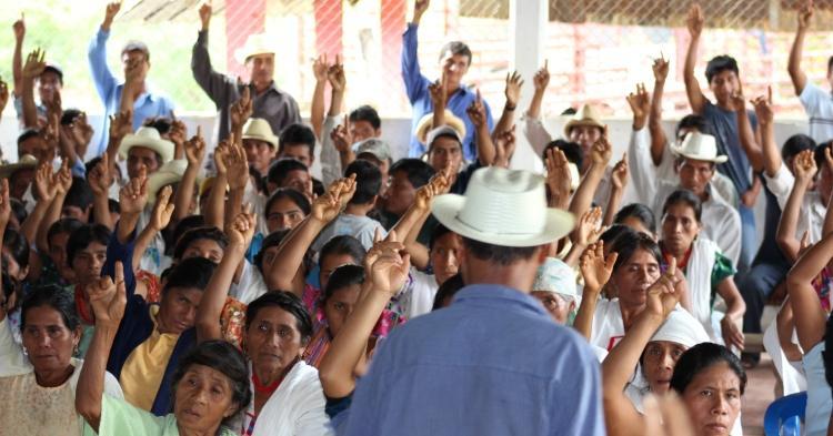 asamblea-oaxaca-organizacion-comunitaria-indigena-usos-costumbres