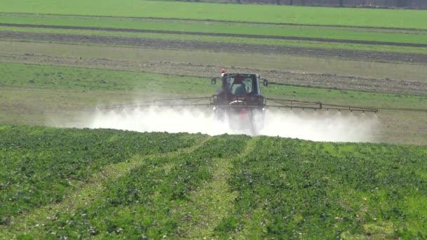 fertilizante-tractor-tecnologia-agraria