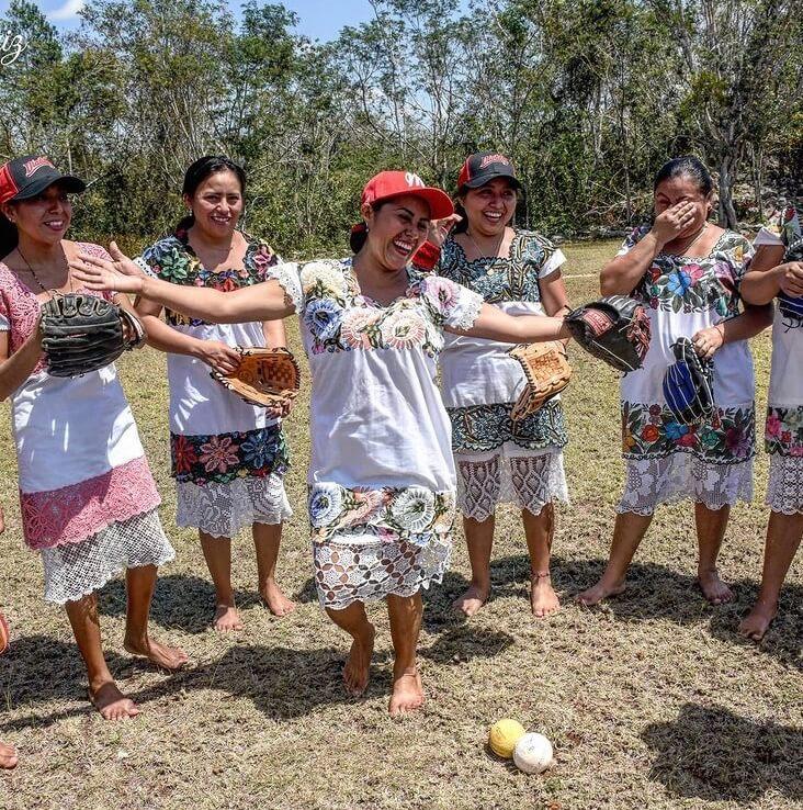softball-maya-mujeres-equipo-diablitas-mestizas