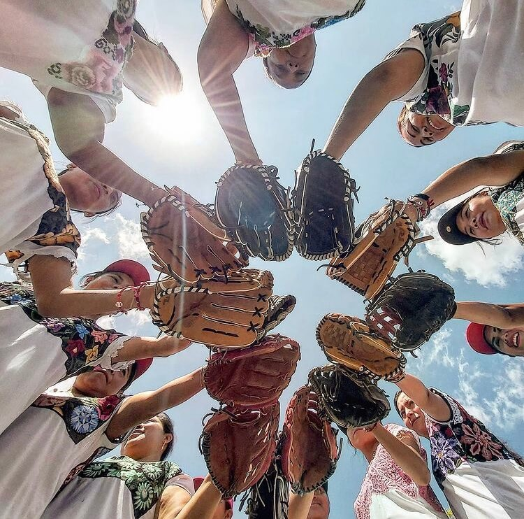 diablitas-mestizas-softball-maya-mujeres