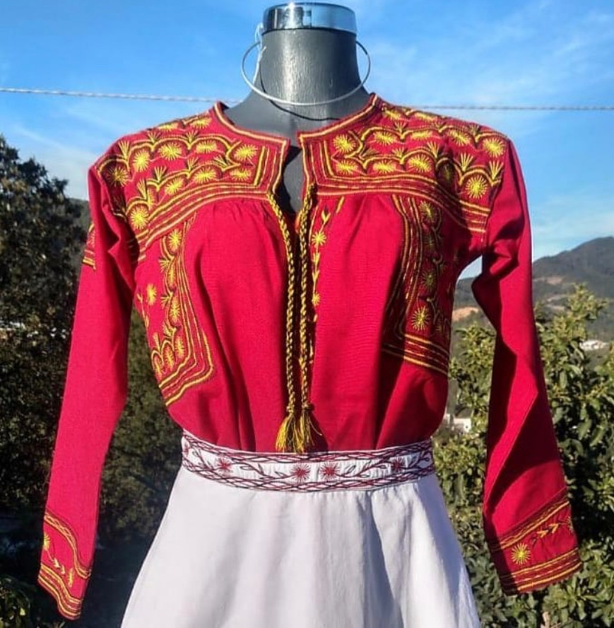 blusas-bordadas-artesania-mexico